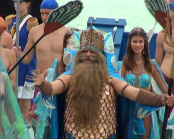 Нептун первого ранга и его свита поздравили моряков с Днем ВМФ