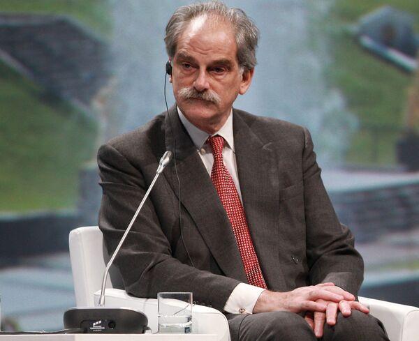 Исполняющий обязанности главы МВФ Джон Липски. Архив