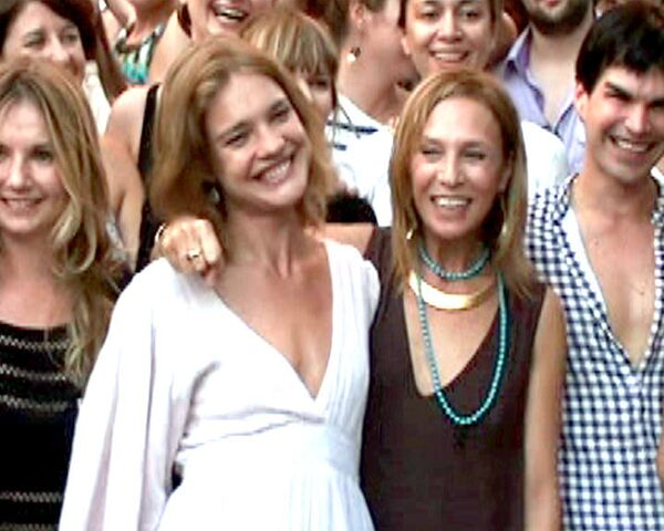 Ушедшую из Vogue Алену Долецкую проводили вечеринкой у Мавзолея