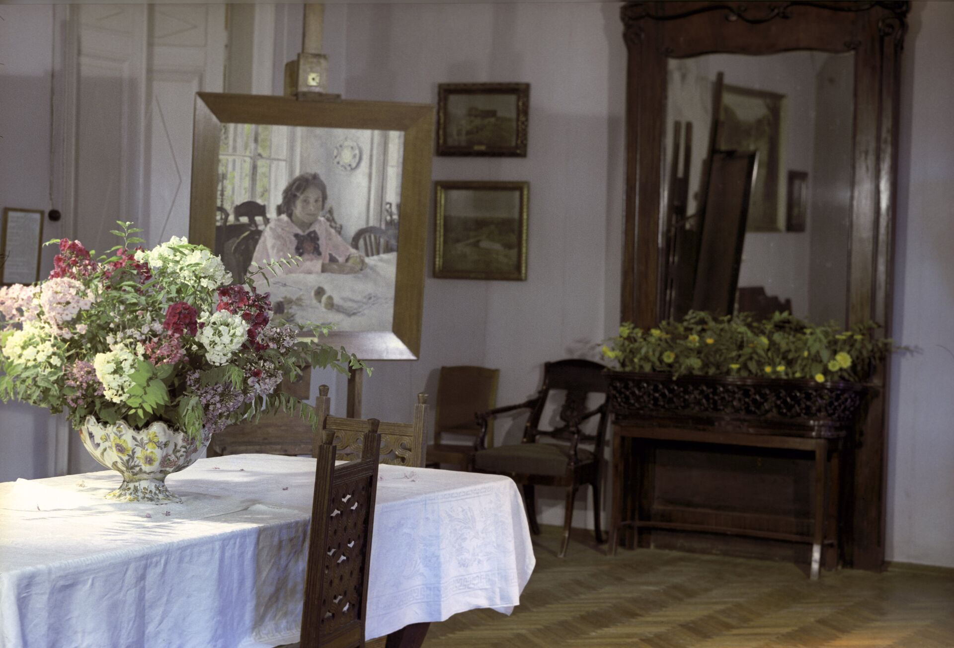 Столовая Мамонтовых в Абрамцево - РИА Новости, 1920, 02.07.2021