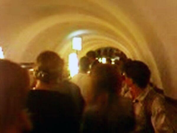 Блэкаут в Петербурге. Давка на эскалаторе в метро