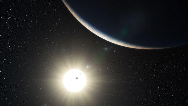 Астрономы нашли в созвездии Южной Гидры богатую планетами звезду