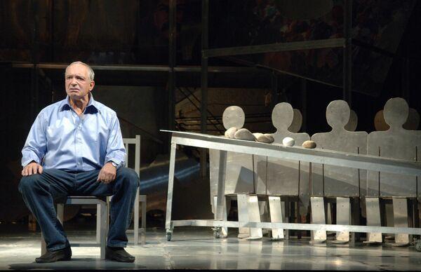 Предпремьерный показ спектакля Сон Гафта, пересказанный Виктюком на сцене театра Современник