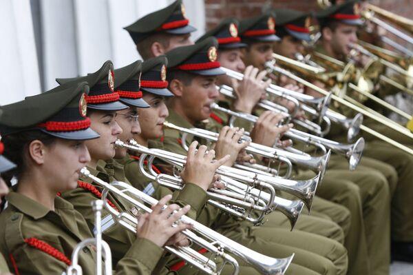 Выступление оркестра армии обороны Израиля в Александровском саду