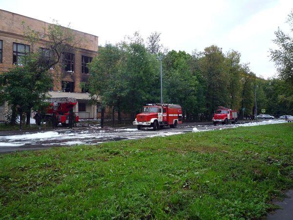 Пожар в школе на улице Александра и Зои Космодемьянских