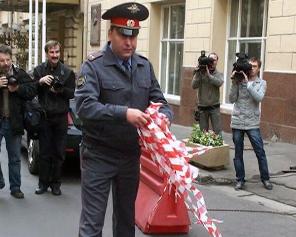 Около 800 закрытых парковок в Москве превратили в общедоступные