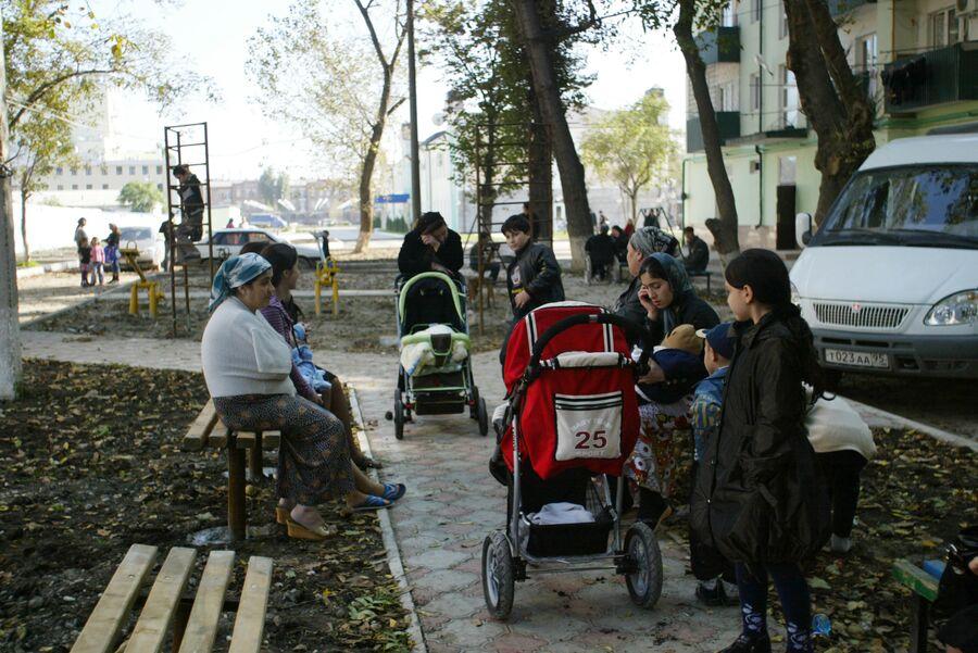 Жители Грозного