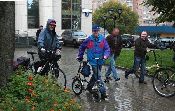 Чиновники пересели с автомобилей на велосипеды