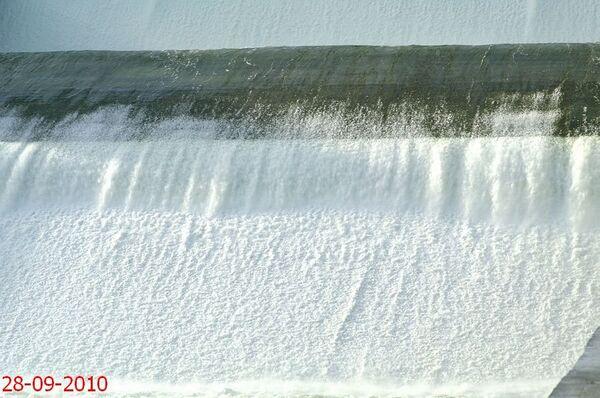 Испытания первой очереди берегового водосброса СШГЭС начались успешно