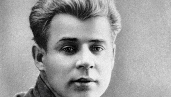 Поэт Сергей Есенин. Архивное фото