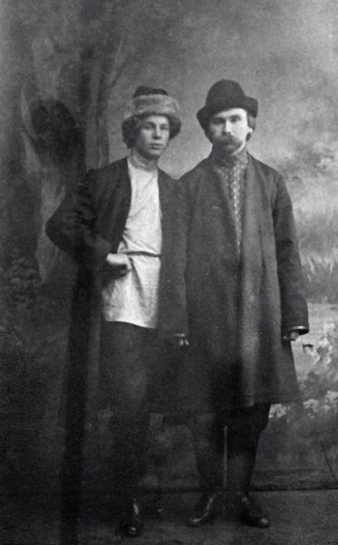 Поэты Сергей Есенин и Николай Клюев