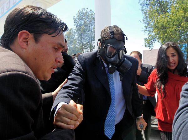 Президент Эквадора после нападения на него группы митингующих
