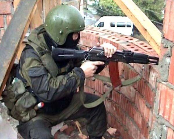 Силовики уничтожили боевика в ходе спецоперации в Махачкале