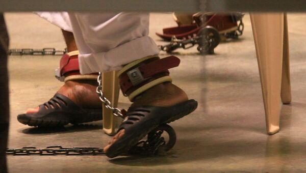 Заключенные в тюрьме Гуантанамо. Архивное фото