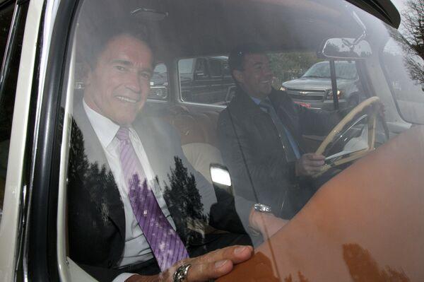 Президент РФ Д.Медведев и губернатор Калифорнии А.Шварценеггер