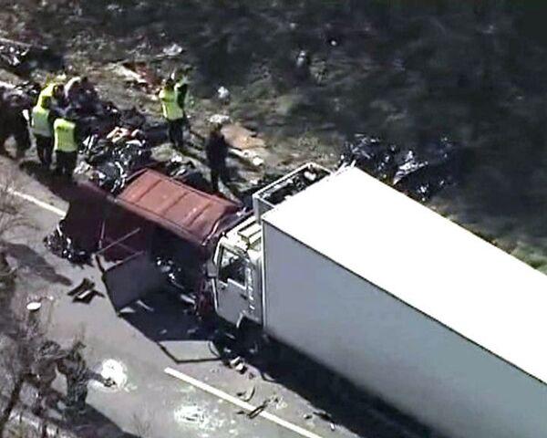 Автобус с пассажирами столкнулся с грузовиком в Польше