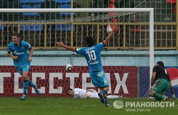 Игровой момент матча Анжи - Зенит