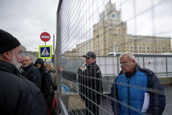 Акция против раскопок прошла на Триумфальной площади