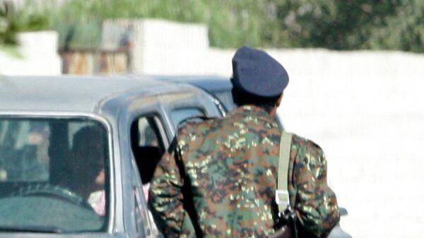 Полицейский в Сане.