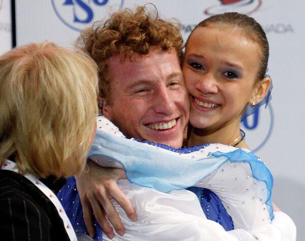Фигуристы Илюшечкина и Маисурадзе - чемпионы турнира Скейт Канада