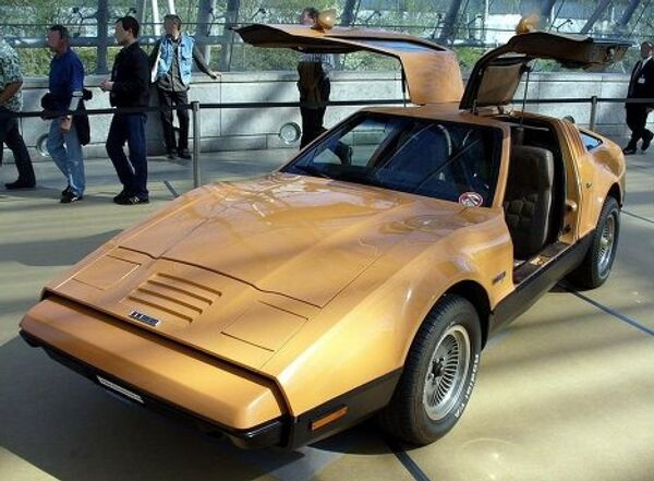 Автомобиль Bricklin SV-1