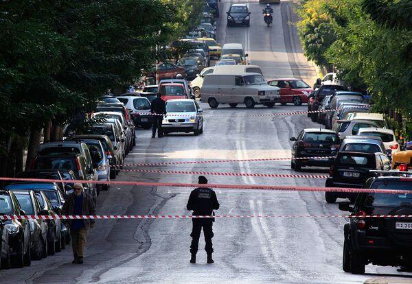 Работа греческих спецслужб по обезвреживаю взрывных веществ
