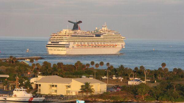 Круизный лайнер Carnival Splendor
