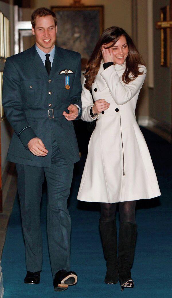 Британский принц Уильям и Кейт Миддлтон поженятся в 2011 году