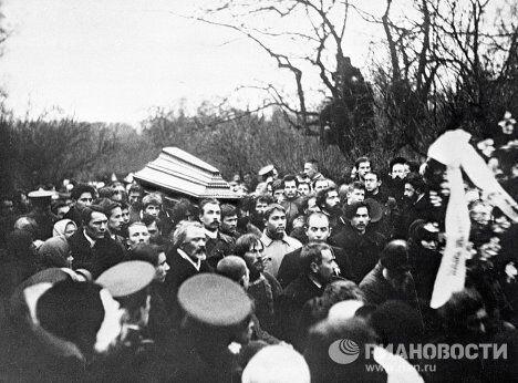 Похороны Льва Толстого