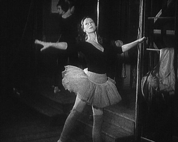 Майя Плисецкая репетирует главную партию в балете Спящая красавица