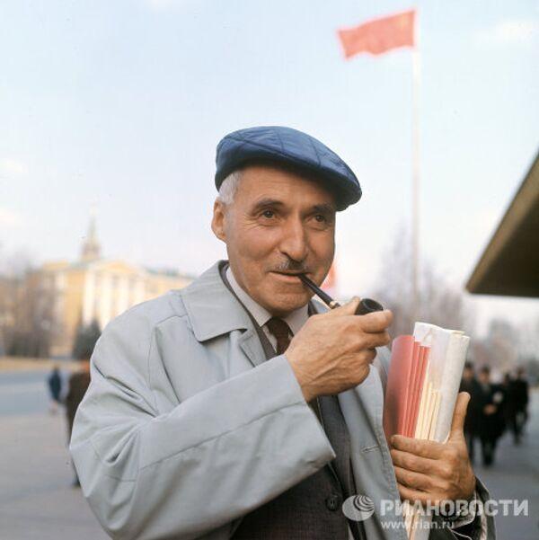Писатель Константин Симонов