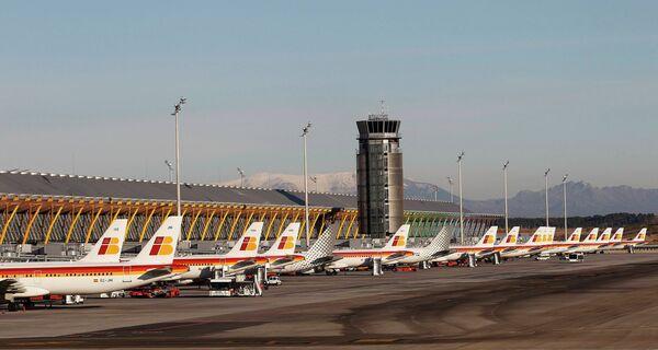 Испанская авиакомпания Iberia отменила все рейсы до утра воскресенья