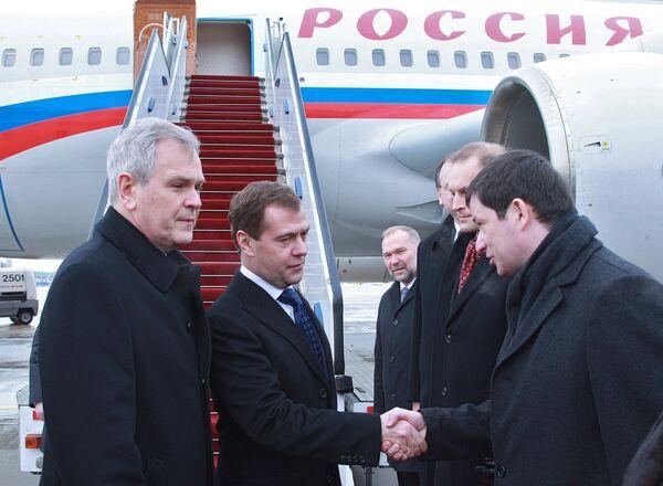 Президент РФ Д.Медведев прибыл в Варшаву