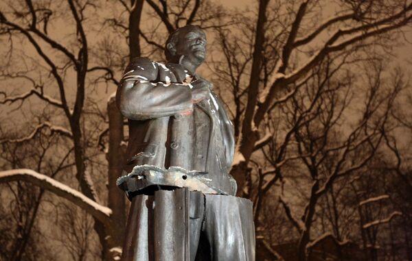Памятник Ленину подорван в городе Пушкин под Санкт-Петербургом