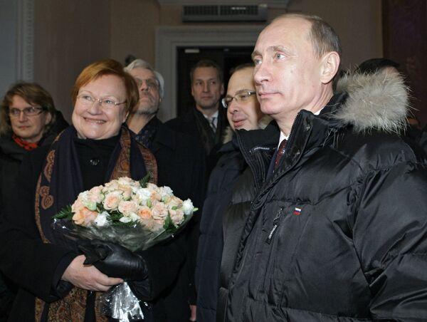 Председатель правительства РФ Владимир Путин и президент Финляндии Тарья Халонен