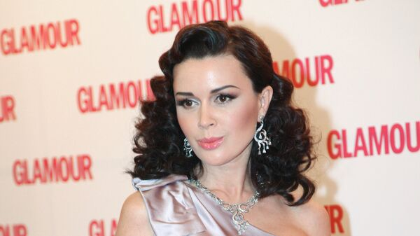 А.Заворотнюк после церемонии вручения премии Женщина года Glamour 2009