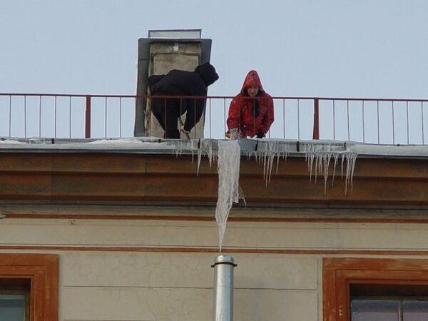 Дворники на крышах Санкт-Петербурга