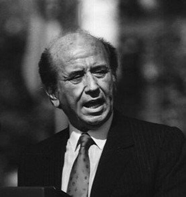 Карлос Андрес Перес — президент Венесуэлы в 1974—1979 и 1989—1993