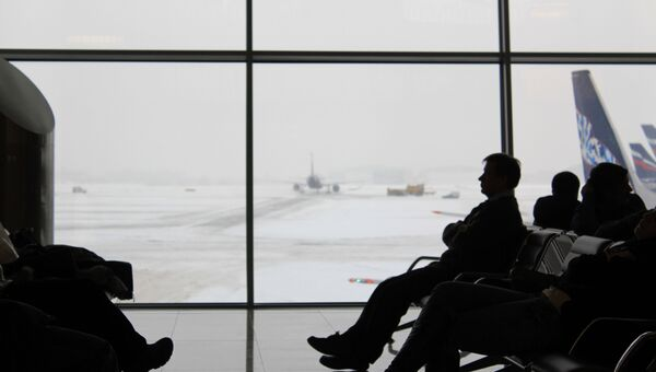 Пассажиры ожидают свой рейс. Архивное фото