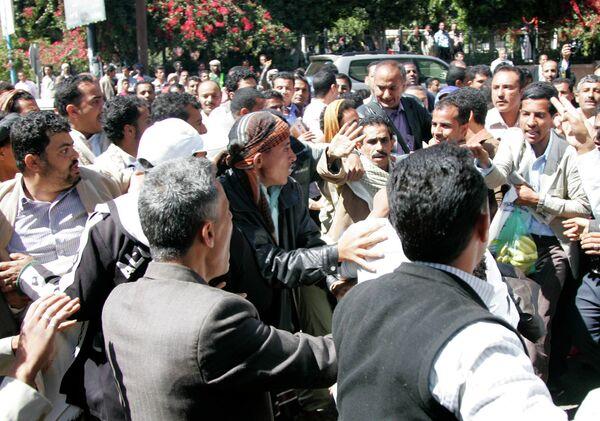 Столкновения сторонников президента Йемена с оппозиционерами