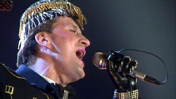 Пенкин виртуозно исполняет песню Альберта Морриса Feelings. 1993 год