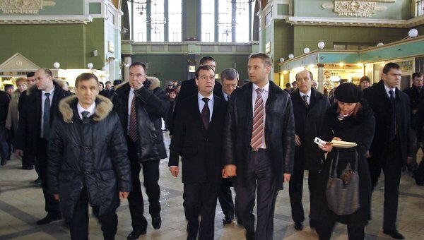 Дмитрий Медведев проверил безопасность Киевского вокзала