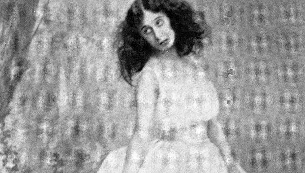 Анна Павлова в сцене из балета Жизель. Архивное фото