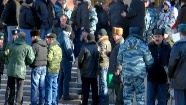 Жители Ставрополья скорбят по погибшим милиционерам