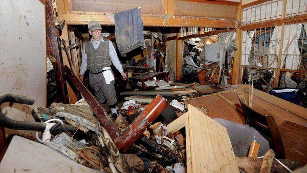 В разрушенном землетрясением городе Сендай