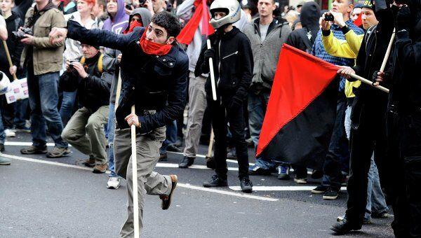 Демонстранты устроили беспорядки в Лондоне