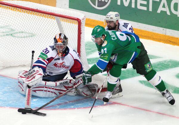Игровой момент матча Салават Юлаев - Металлург (Магнитогорск)