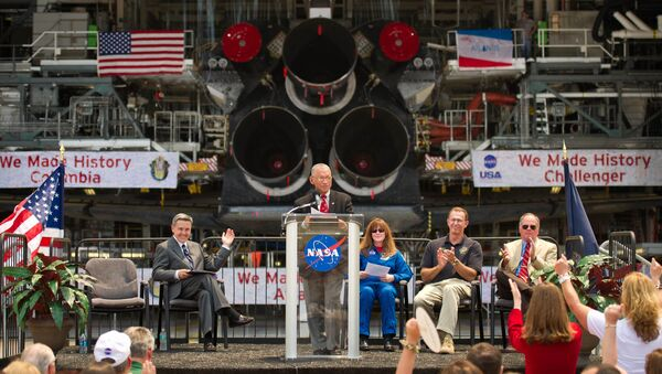 Глава НАСА Чарльз Болден объявляет места вечной стоянки шаттлов