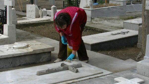 Российские власти и эмигранты восстанавливают кладбище в Афинах