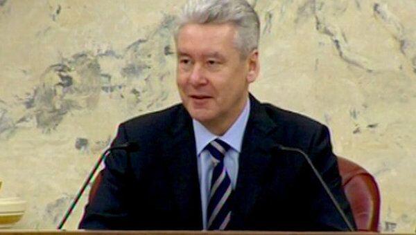 Собянин предложил чиновникам взять на субботник лопаты побольше